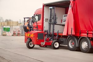 010 Vehicle Mounted Lift Truck Moffett 300x200 Training Courses