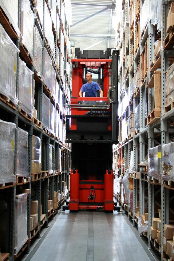 013 Very Narrow Aisle VNA Very Narrow Isle Forklift Training